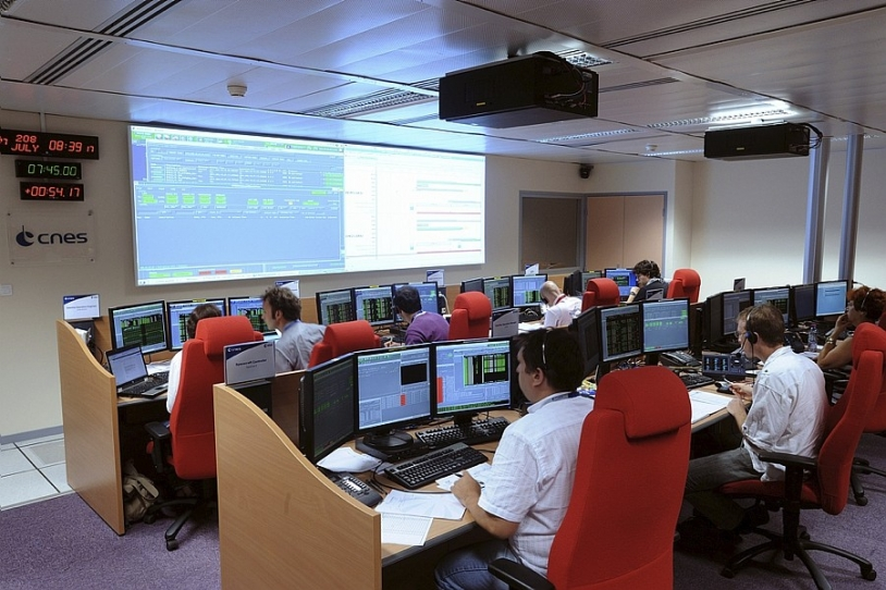 The main control room at the Toulouse Space Centre, from where the Galileo satellites will be positioned. Credits: CNES/E. Grimault.