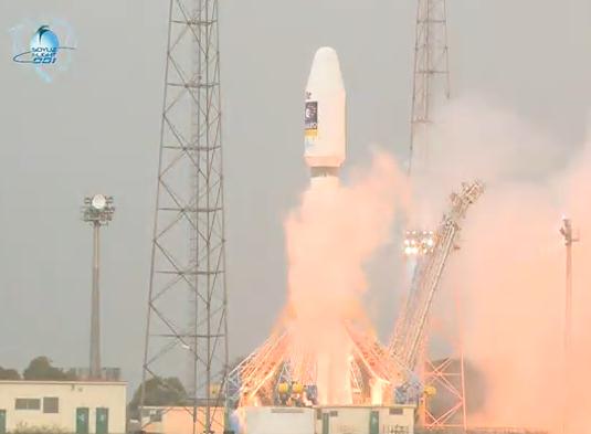 La fusée Soyouz a décollé pour la 1ere fois du centre spatial guyanais ce vendredi 21 octobre à 12h30 (heure de Paris). Crédits : CNES/ESA/Arianespace/Optique Vidéo du CSG.